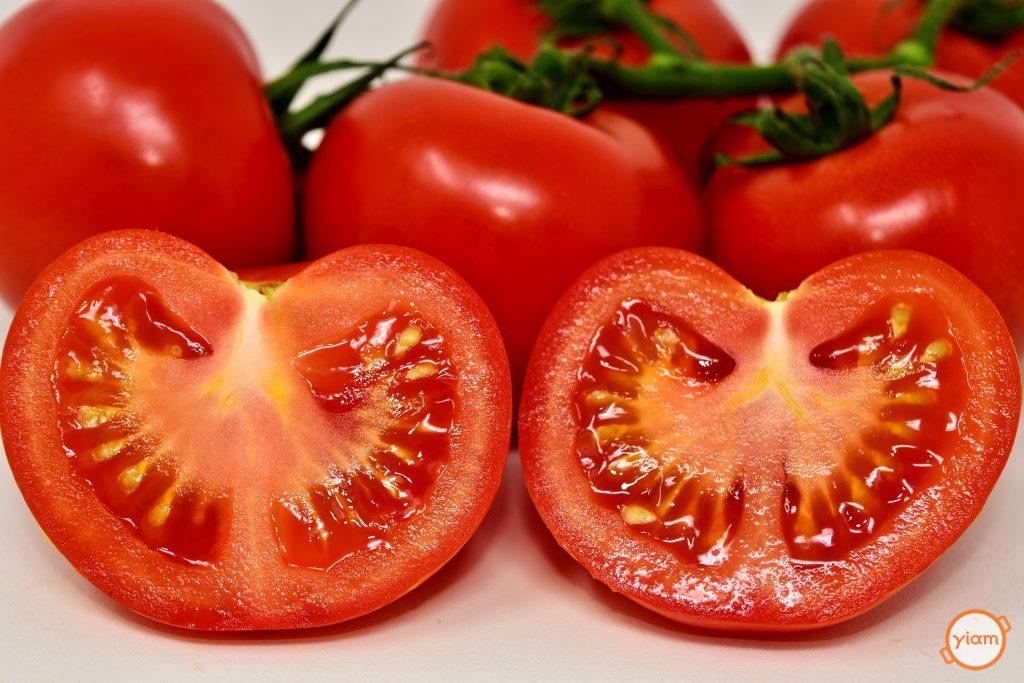 Ντομάτες κομμένες